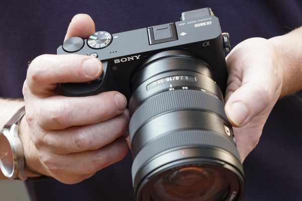 Sony a6100: The easiest camera for amateur photographers